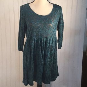 Forever 21 Teal  & Black Eyelet Lace Top Size M.